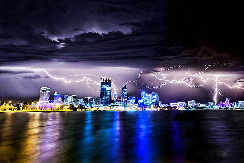 perth lightning storm