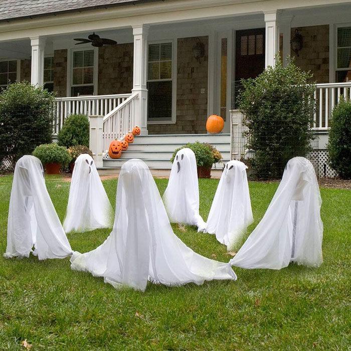 outdoor hallowen decorating idea