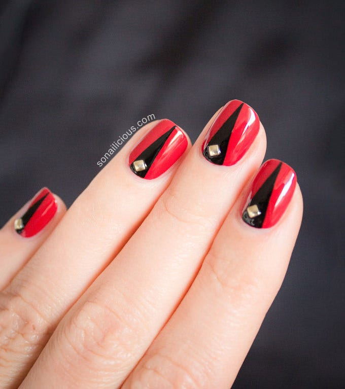 elegant halloween nails