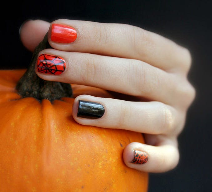 25 halloween nail art designs and ideas free premium templates halloween nail design 2012 prinsesfo Choice Image
