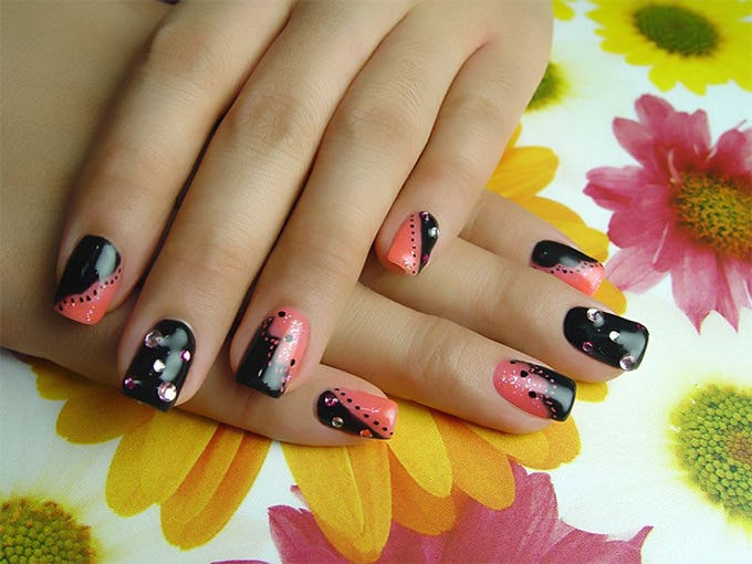 35 easy and amazing nail art designs for beginners free nail art design for beginners prinsesfo Choice Image