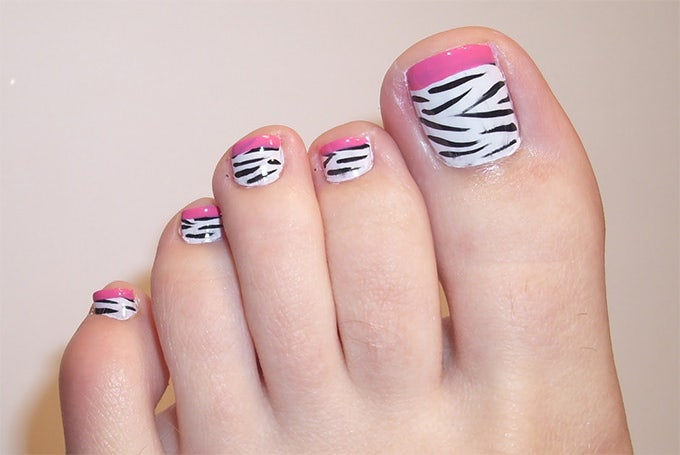 unique toe nail design