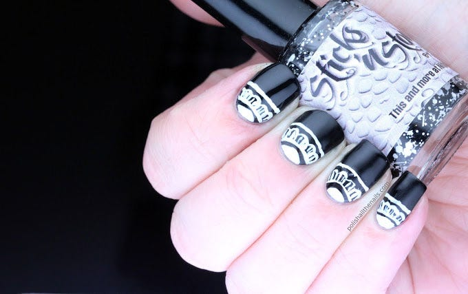 bblack white nail design
