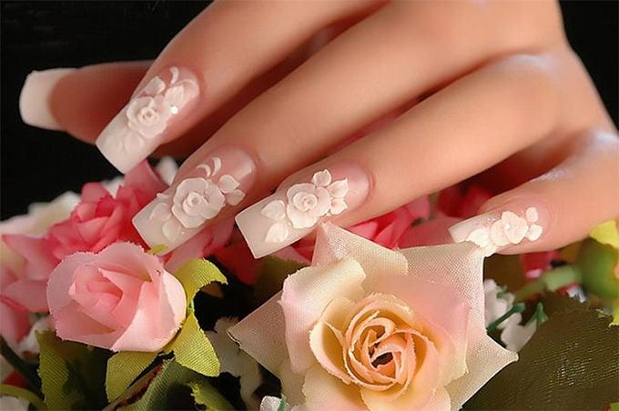 beautiful simple nail art design