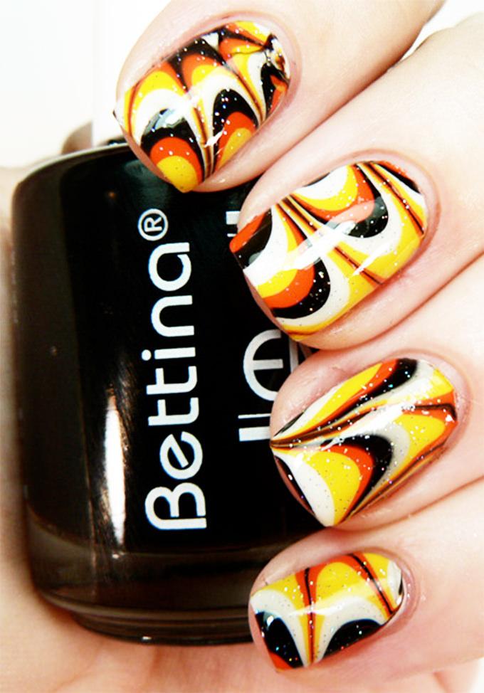 nail design glitter