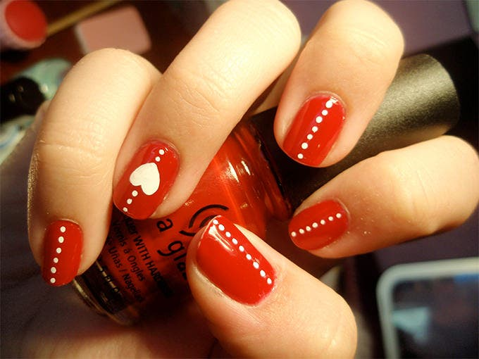 simple valentine nail art design