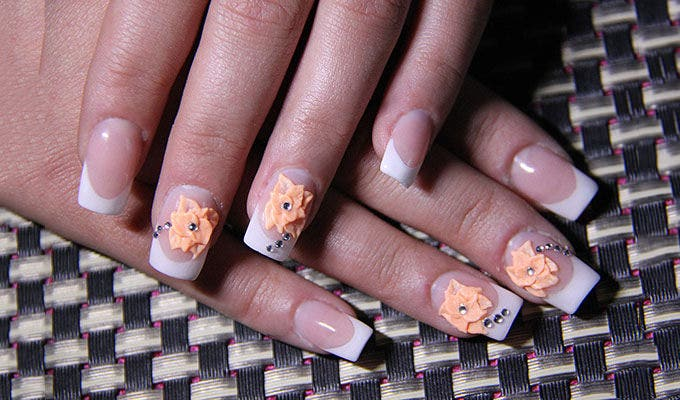 nails with 3d design
