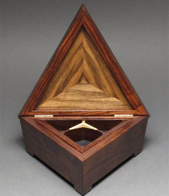 triangular jewelry box