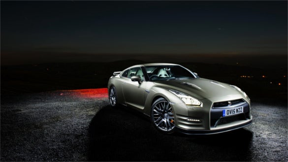 nissan gtr side view night hd desktoop background