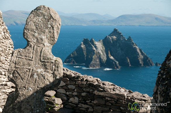 irish cross at skellig michael %e2%80%93 ireland