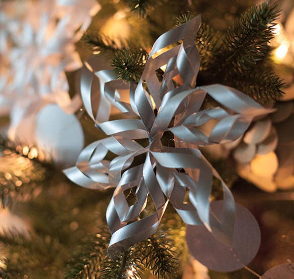 3d paper snowflake silver design