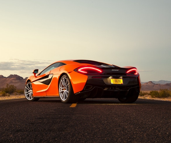 neatly desinged car wallpaper for download
