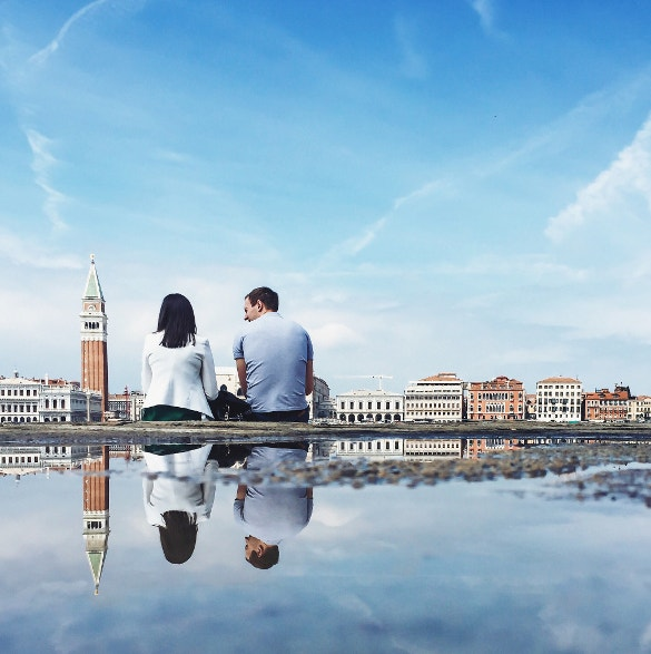couple sitting reflective adorable photography