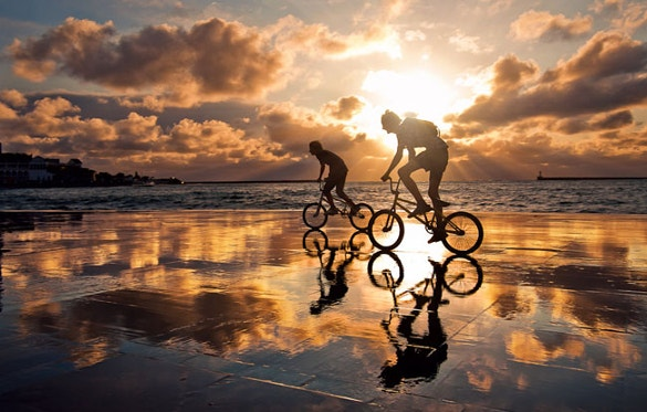 cycling impressive reflection photography