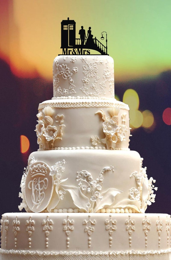 31 creative wedding cake design to inspire you for your for Tardis template for cake