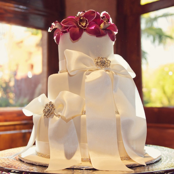 awesome flowers ribbons creative wedding cake design