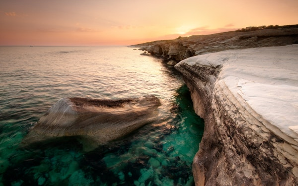 alamanos beach desktop background