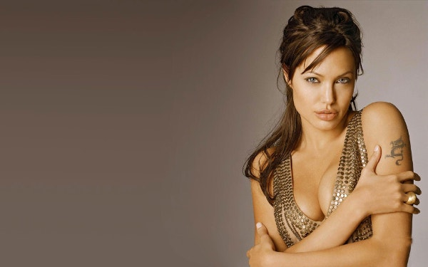 Angelina Jolie Cute Smile Wallpaper