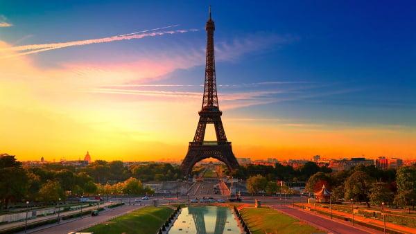 Paris Eiffel Tower Architechtural Design