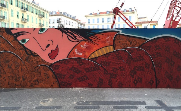 Retro Women Street Art in Wall