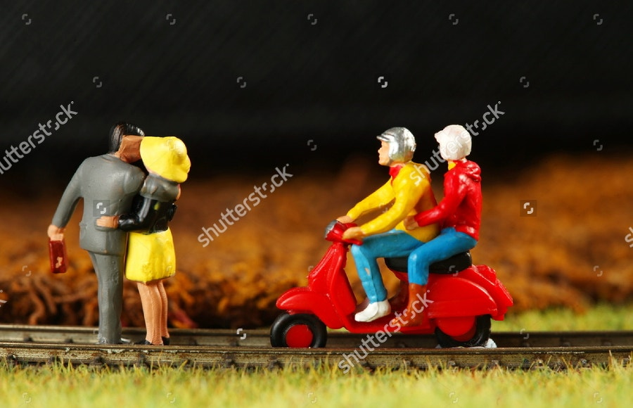 miniature-models-couples