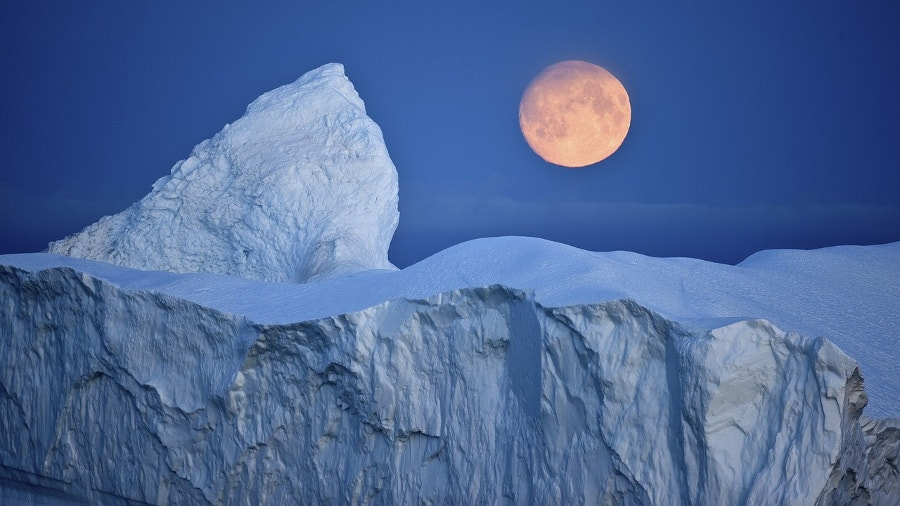 iceberg under beautiful moon