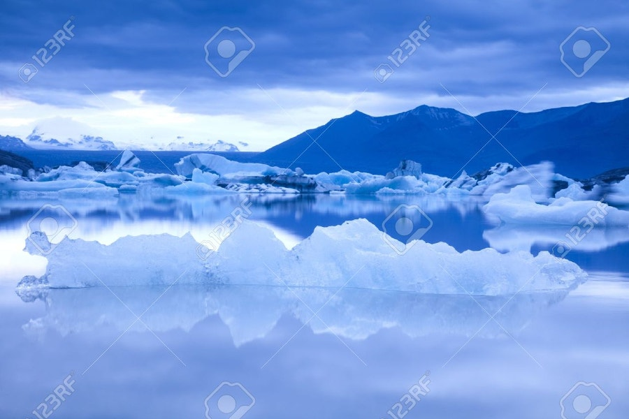 landscape scenery with a iceberg