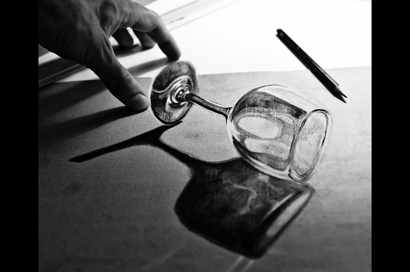 transparent-glass-3d-anamorphic-drawing