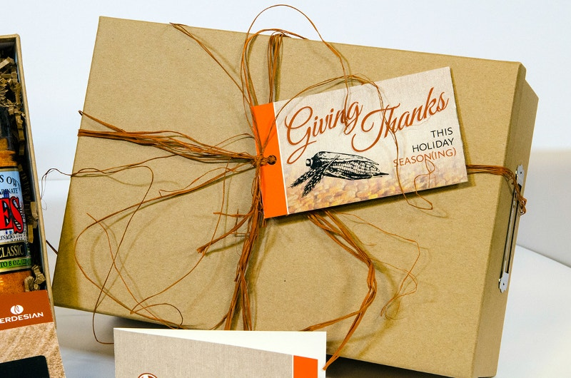 holiday-thanksgiving-mailer-packaging-design-1