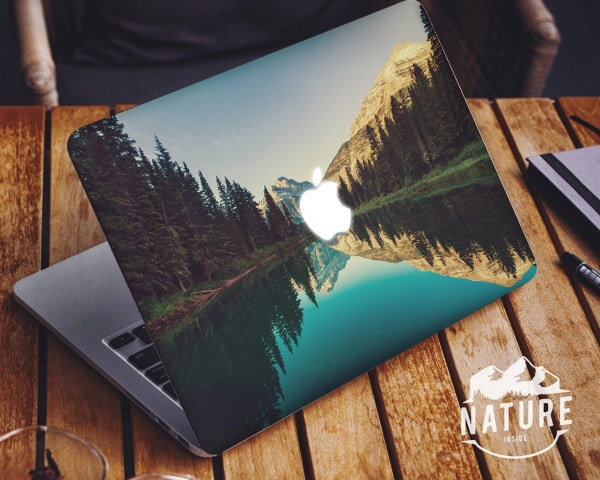 Travel Apple Macbook Sticker