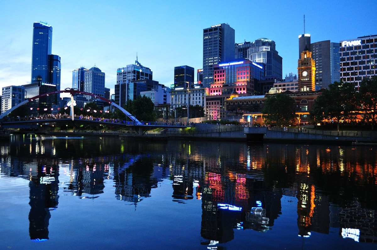 melbourne-australia-at-night-time