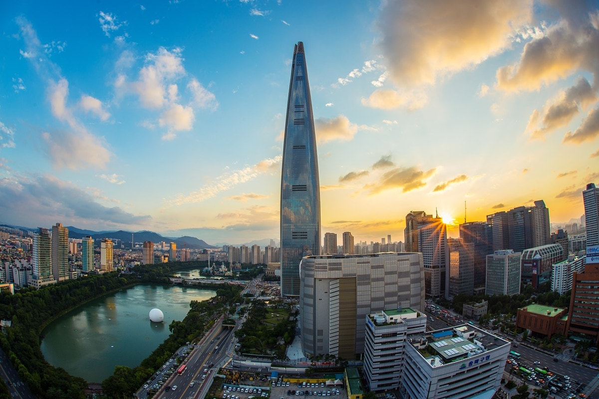 free-image-of-lotte-world-tower