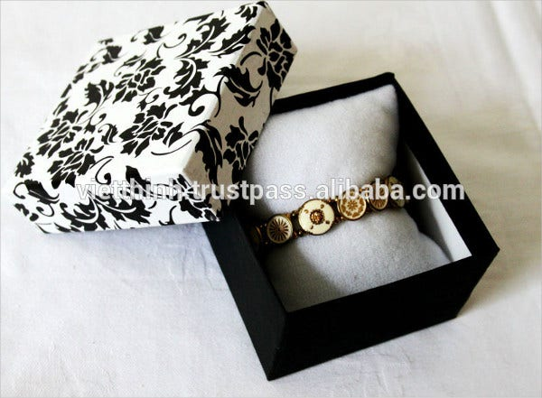 Personalized Jewelry Packaging