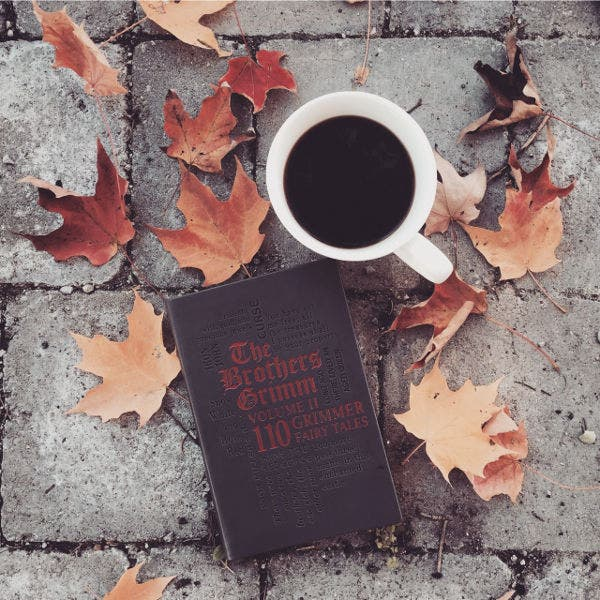 Leaves Book and Coffee