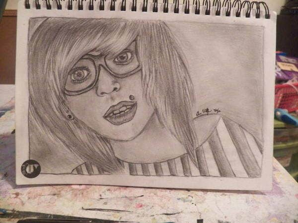 hipster-girl-drawing