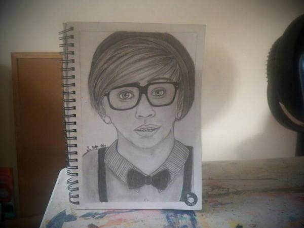 hipster-boy-drawing