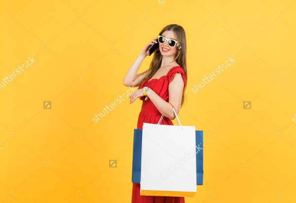 women-with-shopping-bag-mockup