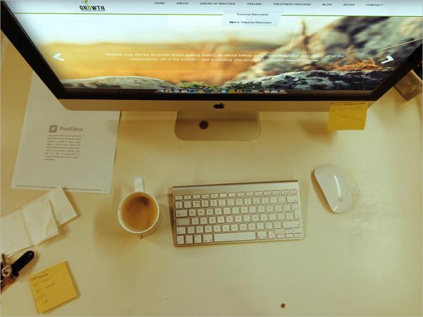 Photorealistic iMac Mockup PSD
