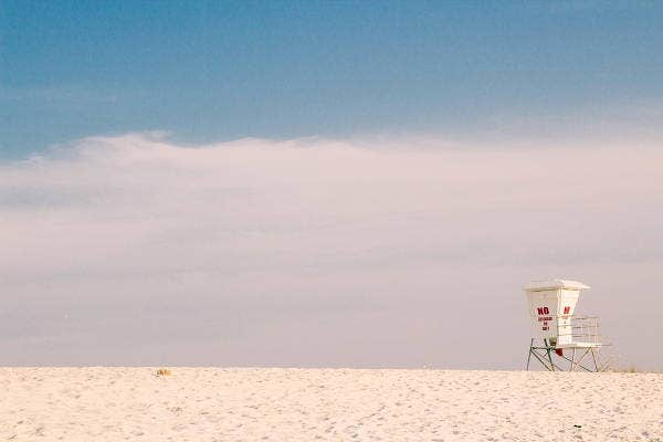 minimalist-beach-photography