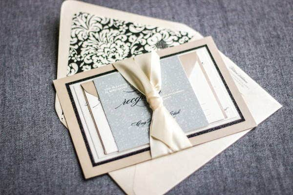 champagne-wedding-invitation