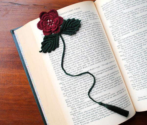 crochet-flower-bookmark-template