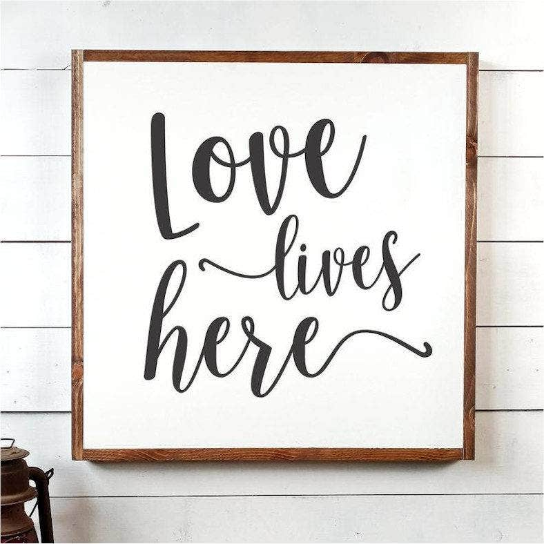 love lives here typography 788x788