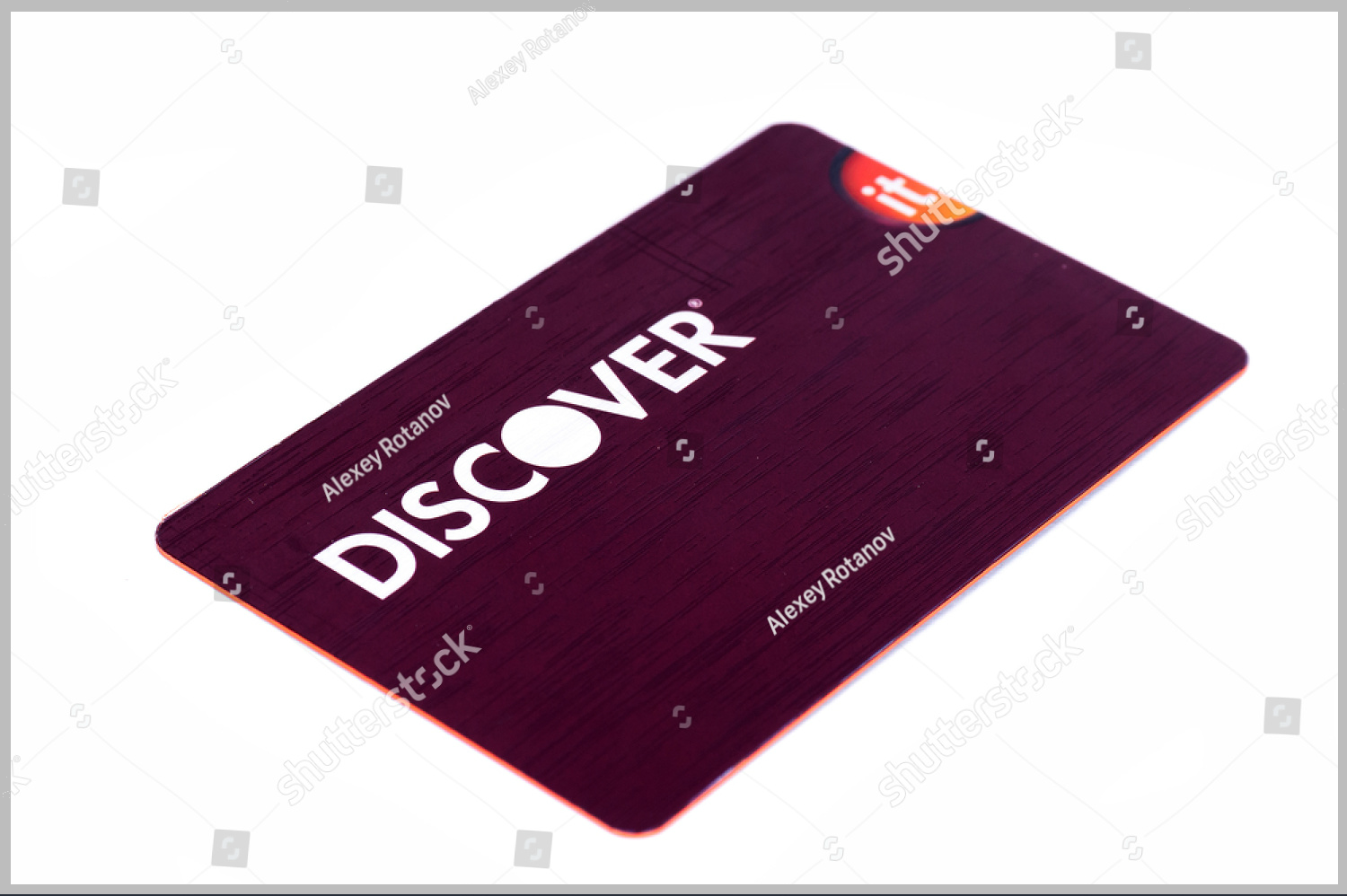 purple-discover-card-design-mockup