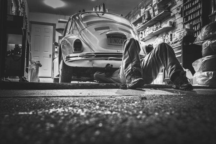 black and white car classic 474 e1523001188982