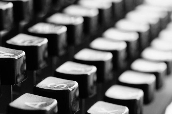 typewriter726965_960_720e1523928936435