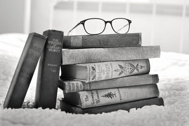 vintage books e1524101367574