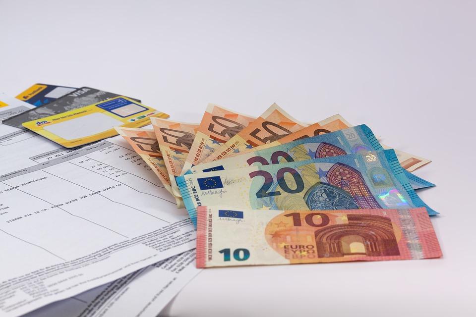 money 1439125_960_720