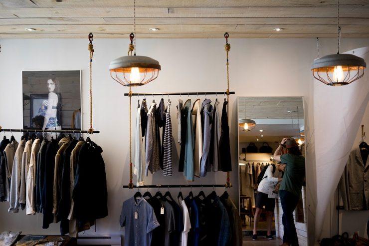 clothing store 984396_960_720 e1538368089741