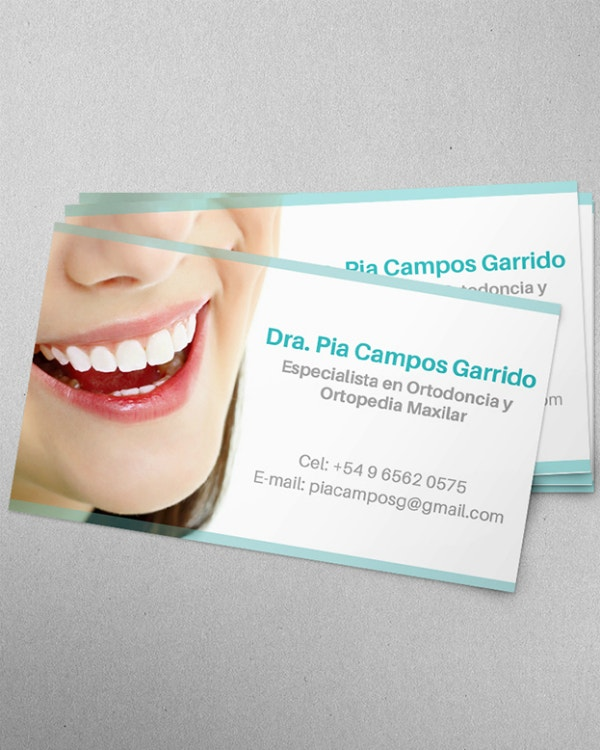 White Teeth Dentist Business Card