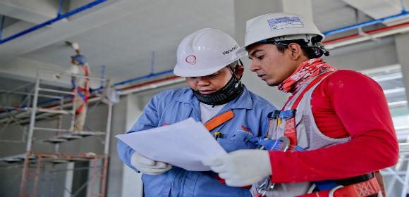 constructionhelmetindustry1216589